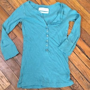 ABERCROMBIE & FITCH turquoise Henley. Size L.